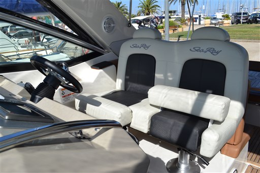 Sea Ray Boats 355 SUNDACER 6