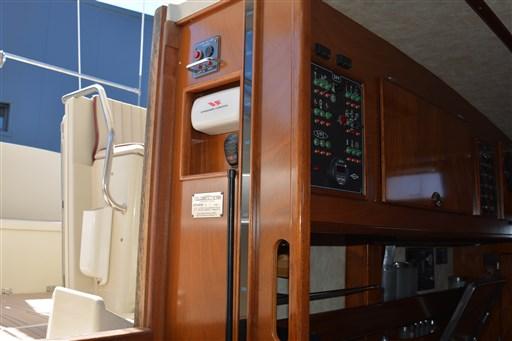 Amel Super Maramu 2000 Red Line 19