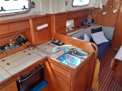 Bavaria 37 Cruiser 12