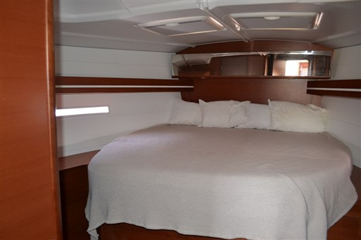 Dufour Yachts 450 Grand Large 7