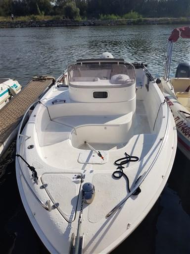 B2 Marine Cap Ferret 652 1
