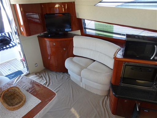Fairline PHANTOM 40 2