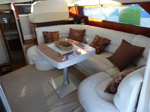 Fairline PHANTOM 40 4