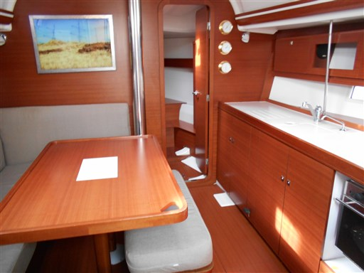 Dufour Yachts 380 Grand large 8