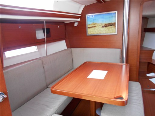 Dufour Yachts 380 Grand large 9