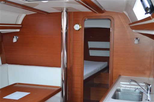 Dufour Yachts 375 Grand Large 10