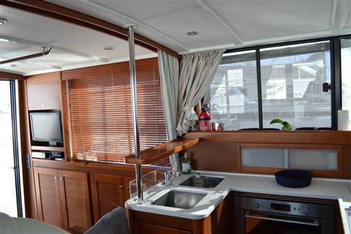 Beneteau Swift Trawler 44 10