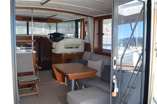 Beneteau Swift Trawler 44 8
