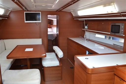 Dufour Yachts 450 Grandlarge 2