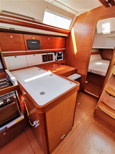 Dufour Yachts 450 Grand Large 12