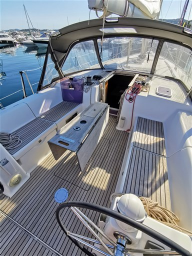 Dufour Yachts 450 Grand Large 3