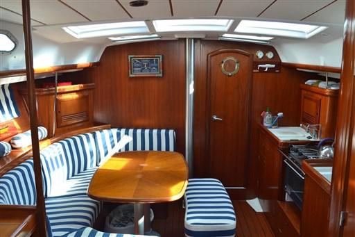 Beneteau Oceanis 393 2