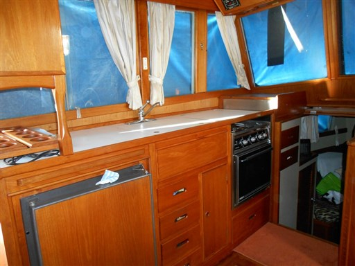 American Marine GRAND BANKS 36 CL 11