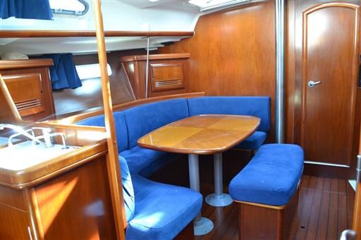 Beneteau Oceanis 393 Clipper 14