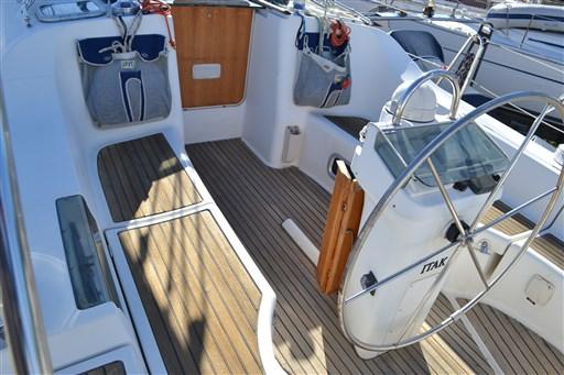 Beneteau Oceanis 393 Clipper 8