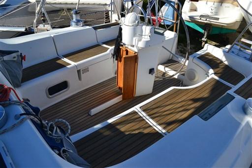 Beneteau Oceanis 393 Clipper 7