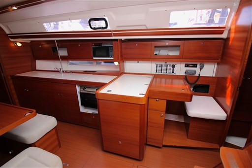 Dufour Yachts 380 Grand large 5