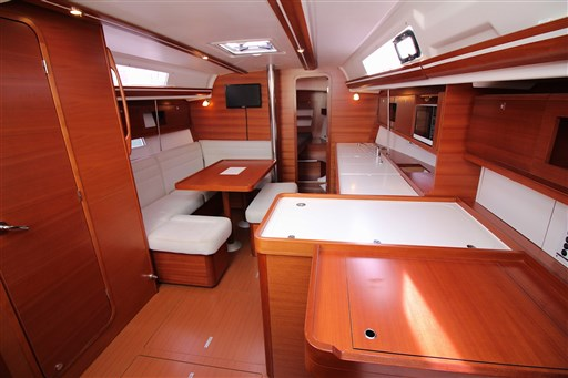 Dufour Yachts 380 Grand large 7