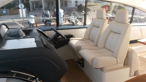 Princess Yachts V 53 4