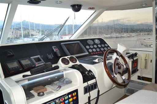 Princess Yachts 65 10