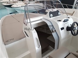 Quicksilver QUICKSILVER 605 sundeck 11